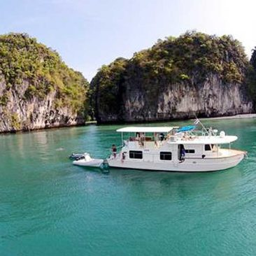 52ft Coastal Cruiser Gallery