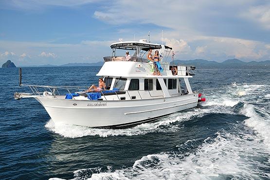 44ft Wave Dancer cruising off the coast of Phuket
